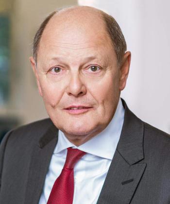 Porträt Rechtsanwalt und Notar Nobert Mauer